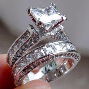 *NEW 925 Silver Princess Cut Diamond 2 PC Ring Set